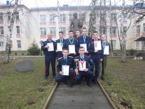 Шахтинские многоборцы одержали 18 победу подряд