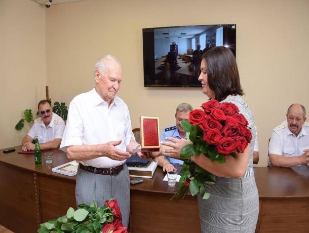 Безупречный прокурор: в Шахтах поздравили заслуженного представителя Фемиды