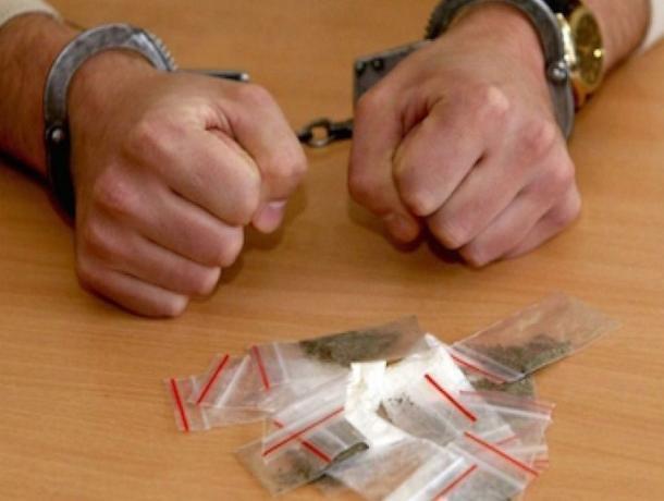 Шахтинец осужден на 13 лет за то, что заставлял несовершеннолетних употреблять наркотики