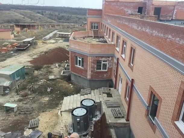 В Шахтах осудили подрядчика недостроенного детского сада на улице Ворошилова