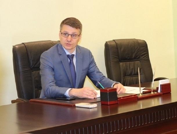 Разобраться с мусором, дорогами и подготовкой к зиме в Шахтах решил Андрей Ковалев
