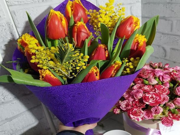 В Шахтах самый популярный подарок женщинам – цветы