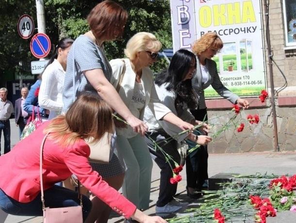 Память всех погибших под землёй почтили в Шахтах