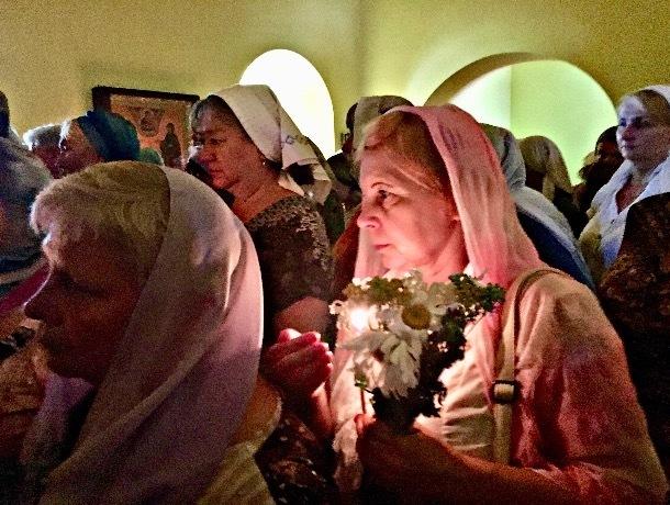 Православные шахтинцы отмечают День Святой Троицы