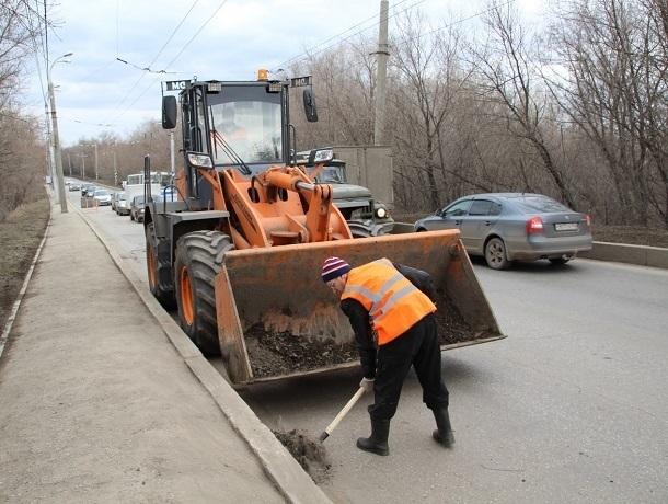 На уборку улиц в Шахтах потратят почти пять млн рублей