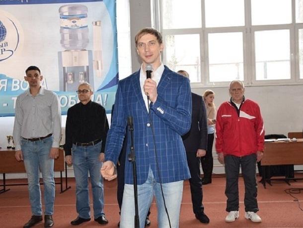 Организатором легкоатлетического турнира в Шахтах выступил олимпиец Андрей Сильнов