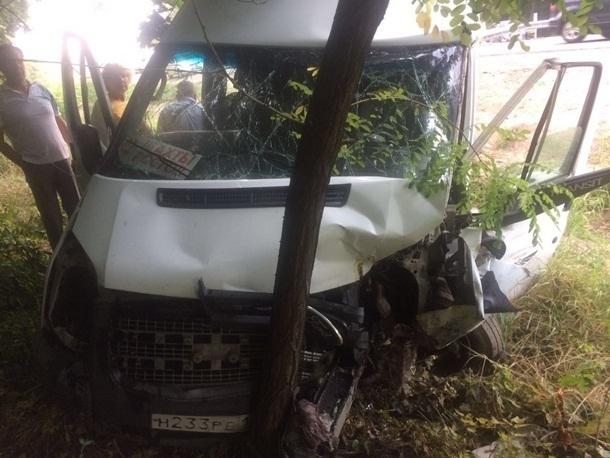 Маршрутка «Шахты – Ростов» попала в аварию на трассе М-4 «Дон»