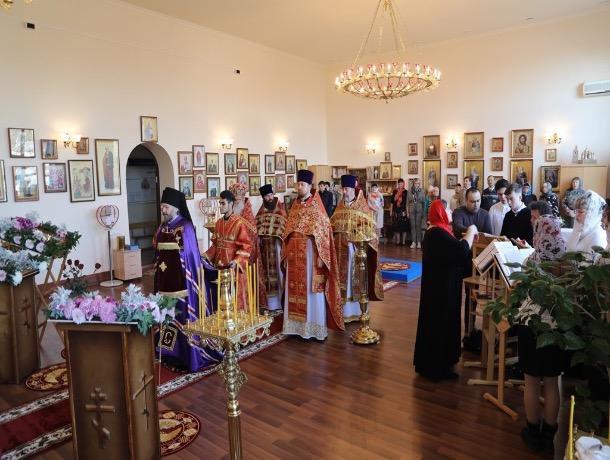 В Шахтах освятили домовой храм при вузе