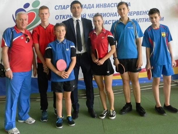 Весь пьедестал заняли шахтинские спортсмены на чемпионате и первенстве области по теннису