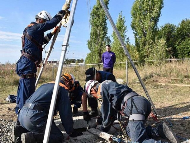 Шахтинские спасатели подтвердили готовность к любым чрезвычайным ситуациям