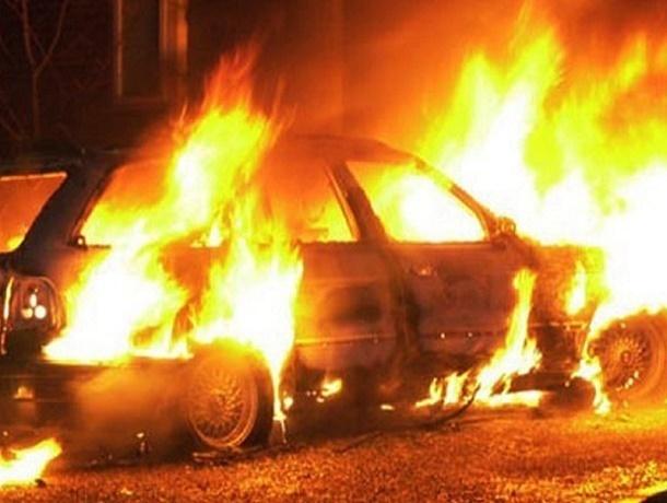 Утром под Шахтами сгорел ВАЗ