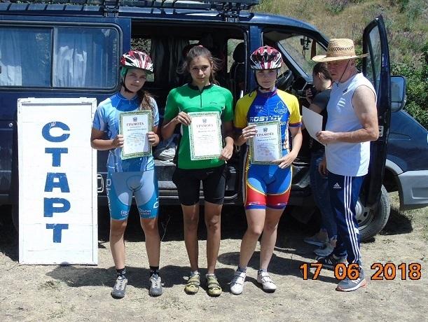Велосипедистки из Шахт взяли «серебро» на первенстве России и стали призерами в области