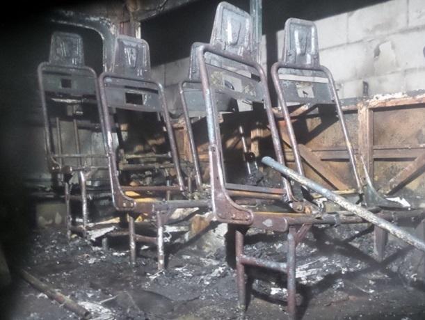 В Шахтах в своем гараже сгорел дорогой «Мерседес»