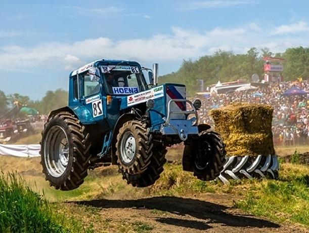 Жители Шахт могут увидеть единственные в мире гонки на тракторах