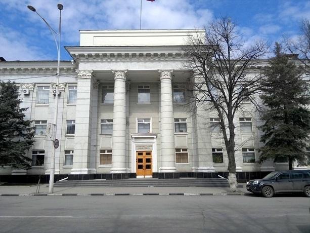 Пристыдил за открытые люки и пообещал в Шахтах больше дворников – Анатолий Глушков провел первую планерку