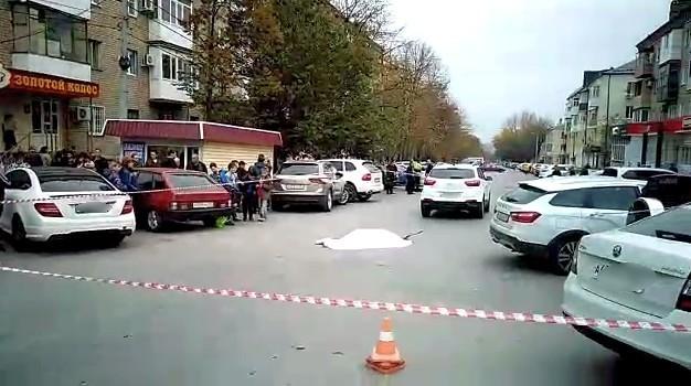 В Шахтах в центре города насмерть сбили женщину