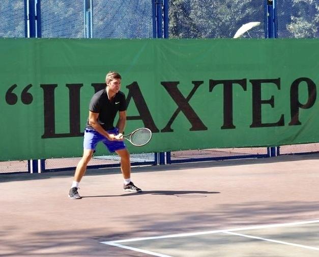 В Шахтах капитально отремонтируют теннисные корты