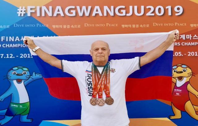 «К России отношение супер, обращаются - «товарищ!»: шахтинский пловец Валентин Заболотный покорил Корею на чемпионате мира