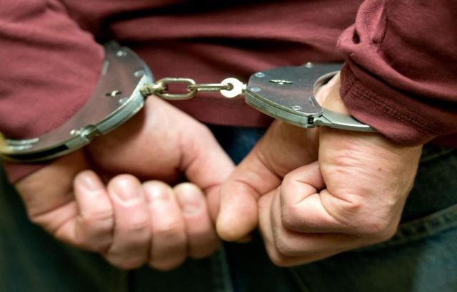 В Шахтах задержали преступника, который ограбил пенсионерку в Курской области