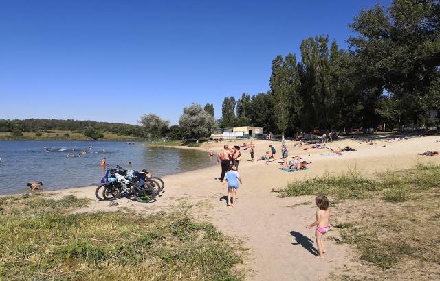 Шахтинцев оштрафовали за купание на запрещенных пляжах