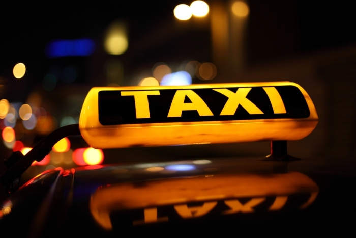 В Шахтах будут ловить нелегальных таксистов