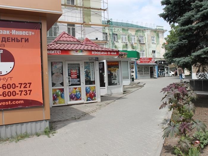 «Администрация натравила на нас ОБЭП»: конфликт между шахтинскими властями и владельцами ларьков в центре города продолжается