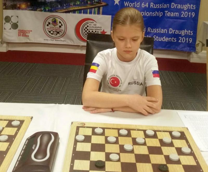 Шахтинская шашистка, несмотря на отказ властей оказать ей поддержку, все-таки поехала на Чемпионат мира и выиграла там медаль