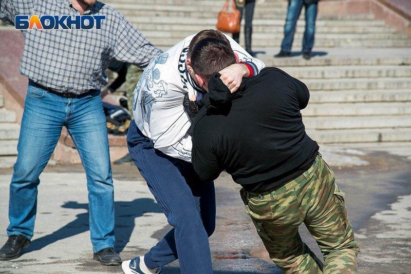 Стали известны подробности избиения молодого человека в Александровском парке