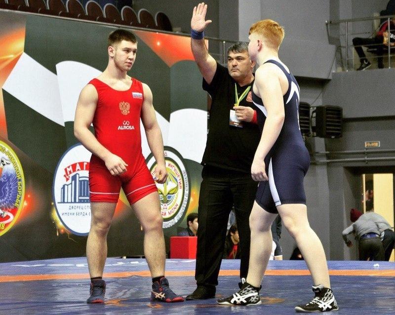 Шахтинский борец впервые в истории выиграл международный турнир на призы братьев Самургашевых