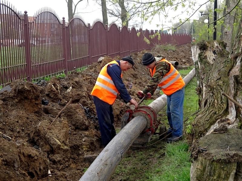 В Александровском парке заменили аварийный участок водопровода
