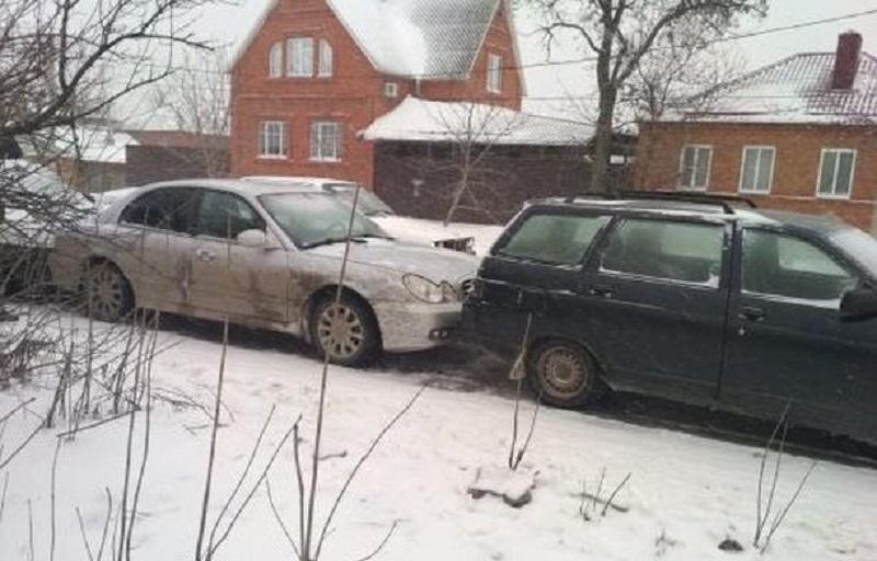 «Гармошку» из машин собрала авария в Шахтах