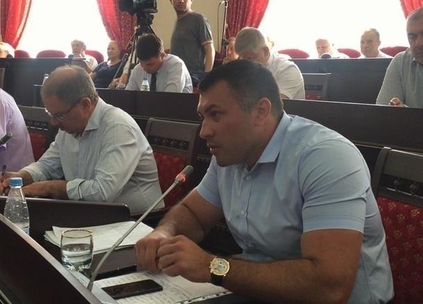 «Вам уже никто не верит. Вы нас предали», - депутат главе города Шахты Ирине Жуковой
