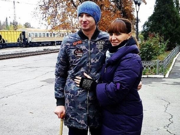 Помочь вернуть зрение 23-летнему брату Никите Белоглазову просит его сестра