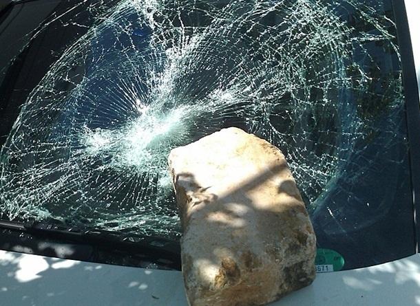 Шахтинец разбил окно «Нивы» и украл сумку в Новочеркасске