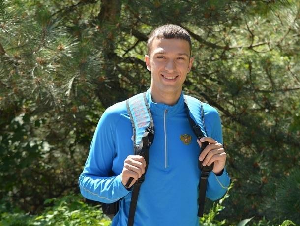На 7 метров 24 см прыгнул шахтинец Олег Мирзоянц на соревнованиях в Смоленске