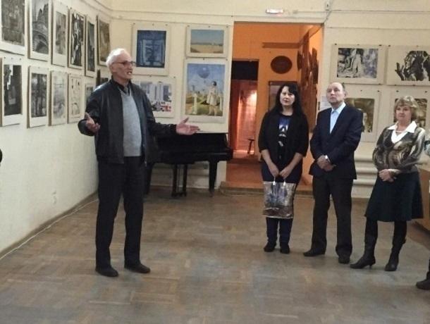 «Ночь искусства» в Шахтах из выставки плавно перешла в концерт