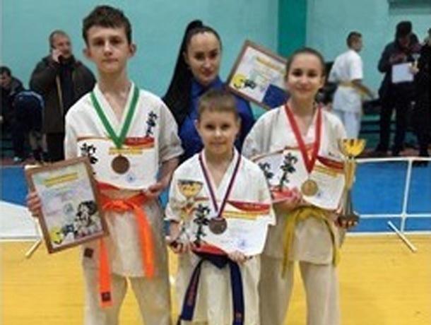Девять наград привезли шахтинские каратисты с первенства Ростовской области по киокусинкай карате