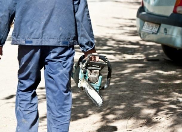 Шахтинец-рецидивист под покровом ночи украл из нежилого дома бензопилу и автомойку