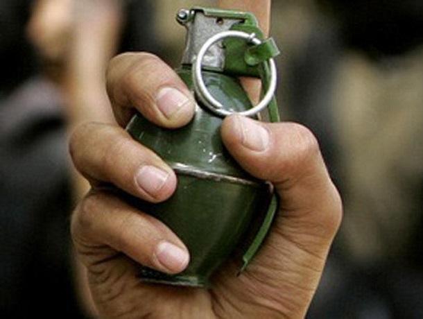 Боевой гранатой угрожал соседям и наряду полиции буйный шахтинец
