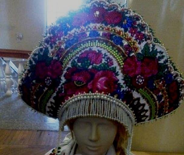 Русские народные головные уборы получили гран-при на выставке «Наследие России»в Шахтах