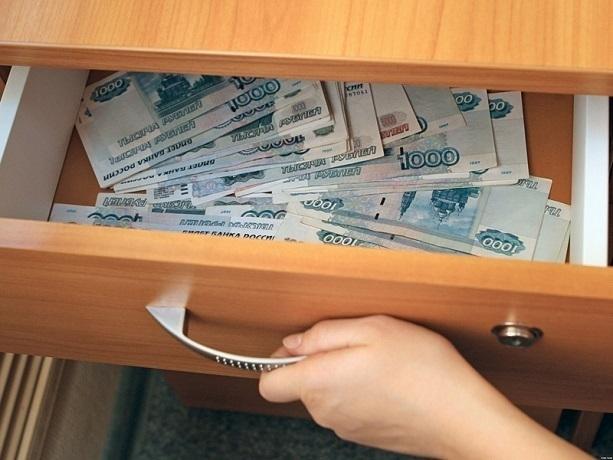 Более 400 тысяч рублей украл шахтинец на продаже газового оборудования
