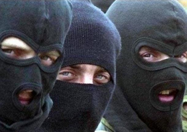 Жителей нескольких городов терроризировала вооруженная банда из Шахт