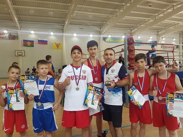 С победой приехали боксеры из Шахт с турнира в Краснодарском крае